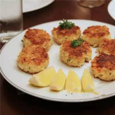 马里兰蟹饼_螃蟹的做法大全:教你40种如何做螃蟹的方法第38张