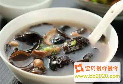 木耳海参猪肚汤的做法_海参怎么做好吃?海参的做法与功效第2张