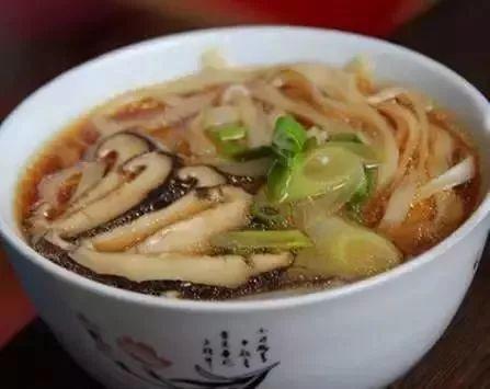葱花酱油面_面条怎么做好吃又简单 面条的做法大全第3张