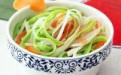 宝宝们最爱的解毒防春燥的营养食谱:菠菜胡萝卜土豆鸡蛋饼(三丝蛋饼)