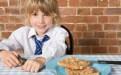 小学生不吃早餐会影响认知能力和学习成绩